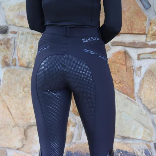 Black -horse-bear-breeches